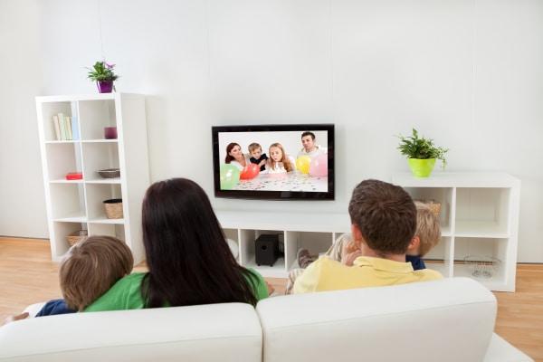 Family Living Room 600 400 iStock-468566723